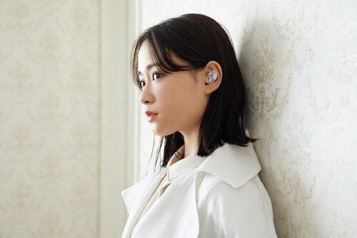 女優で歌手の⼤原櫻⼦が使用するAVIOT「TE-D01i」