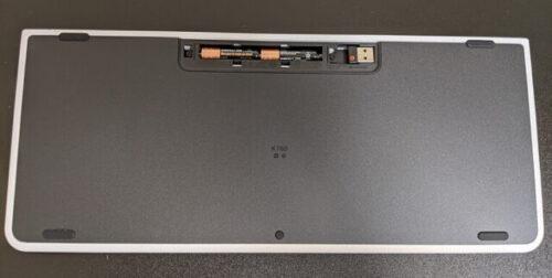 ロジクール ワイヤレスキーボードK780 裏側