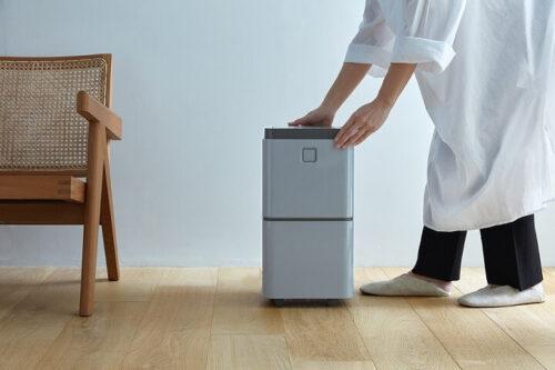 レコルトの部屋干し除湿機「持ち運び・お手入れに優れたコンパクト設計」